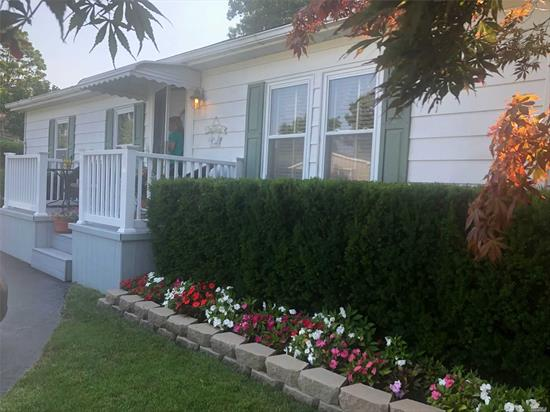 This Mint...Double Wide Mobile Home situated on quite block situated in Bunker Valley features Large Two Bedrooms, Updated Kitchen with New Refridge, Stove and Convention Microwave.Full size Stack able washer dryers, New Hot water Heater, Sliding glass doors from Dining area to Decking Over looking park like grounds perfectly Maintained. A Must see...