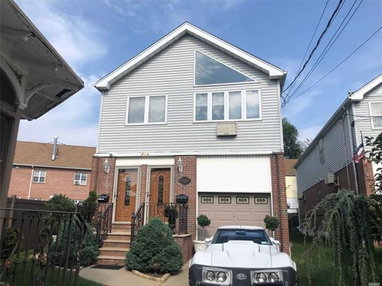 2Brs/1 Full Bath/Living Room/ Kit/ Wood Floor/ Closet to Park/ Bus Q25 To Flushing Downtown