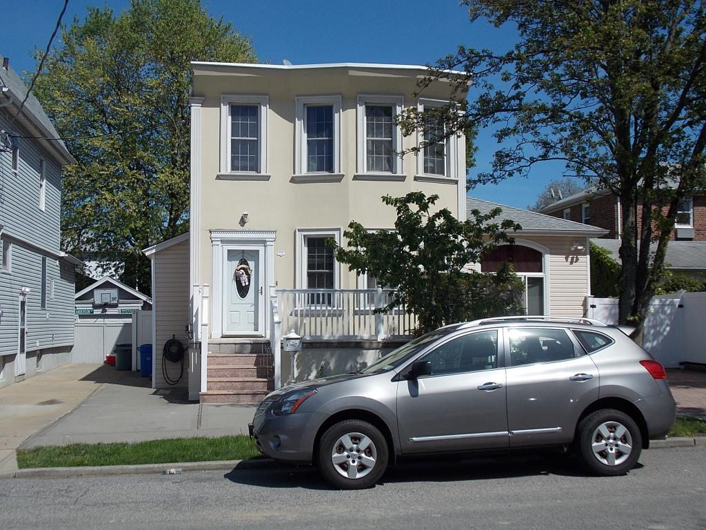 Beautiful Whitestone Apartment for Rent Features 2 Bedrooms, 1 Bathroom, Living Room, Formal Dining Room, and Eik. Hardwood Floors Throughout. Water and Heat included. Great Location Close to Stores and Transportation.