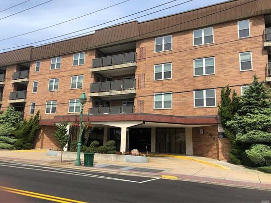 2 Bedroom, 2 Full Bath Apt In Elevator Bldg. 24 Hour Doorman, Washer/Dryer & Storage On The Floor. IG-Pool. Close To Shopping, RR & Houses Of Worship.