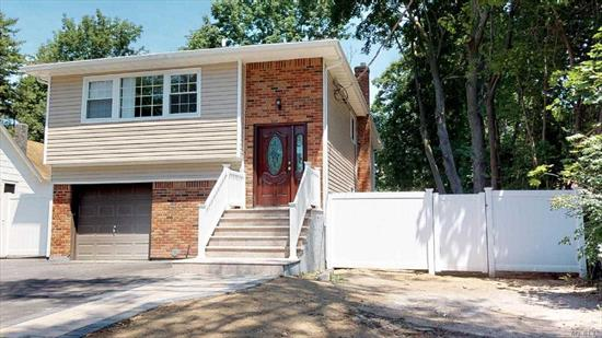 Located on The Border of Muttontown and Syosset, This Completely Renovated and Move-In Ready Home Is in Close Proximity to the Train Station and Shopping! This 2, 111 Square Foot Single Family Home Includes 5 Bedrooms, 2 Bathrooms, Attached 1 Car Garage, Natural Gas, Central Heating and Cooling, Hardwood Floors Throughout (Upper Level), Tile Floors Throughout (Lower Level) And Plenty Of Backyard Space To Play or For Entertaining. Great House in The Award-Winning Syosset School District!