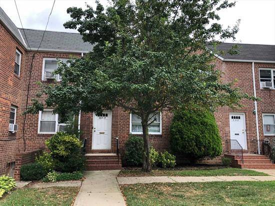 Spacious Pear Tree 2nd Floor Unit Features Large Living Room/Dining Room Combo, Spacious Kitchen, 2 Bedrooms, 1 Full Bathroom and Lots of Closets. Washer and Dryer in Unit, Also Includes 2 Garages. Convenient Located by Schools, Shopping, & Transportation.
