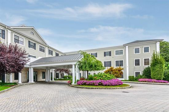 Roslyn. Luxury 55+ 2 Bedroom, @ full Bath Rental on Roslyn Harbor. Indoor Parking, In-Ground Heated Pool, 24-Hour Doorman, Community Room and Fitness Center.