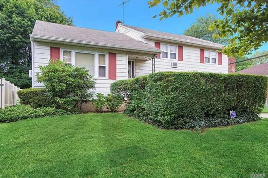 Great Opportunity In Syosset School district. 3 Bedroom, 2 Bath Split On Mid Block Location. Excellent Potential And Perfect For Investors. Gas In The House. Selling AS IS.