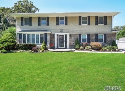 Beautiful Home/ Super Clean Brookfield Colonial with 6 Bedrooms/Andersen Windows, New Floors, PVC Fence, SS Appliances, Peerless Cast Iron Boiler, Updated Baths, Roof 8 yrs young, Central Air 3 yrs young, Cesspool updated, 200 amp, Nest Thermostats, Top Hauppauge Schools and Much MORE !!