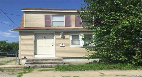 Looking for a great opportunity? Look no more! This property has tons of potential. This home has tons of character and charm. It's located close to main roads with easy access to local amenities. This property won't last.