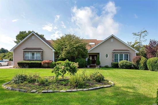 Great location Paddock Estate-Diamond condition, 2 new CAC, new pella Windows, new roof, updated bathrooms, new hardwood, Florida room, gazebo too much to list! A must see.