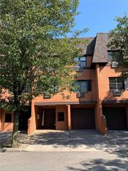 Location! Location! Nice One Bedroom On 1st Floor. Low Maintenance Fee, Washer And Dryer In Unit, Wood Floor, Close To Shopping Mall, Bus#q27, Express Qm1 To City.