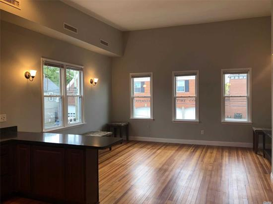 Really Special Apartment! Stacked washer/dryer. Totally Redone! White Pine Floors, Beautiful high-end wood cabinetry & stainless appliances. Very high ceilings. CAC In heart of historic Oyster Bay. Walk to Restaurants, Park, Beach, houses of worship,  LIRR
