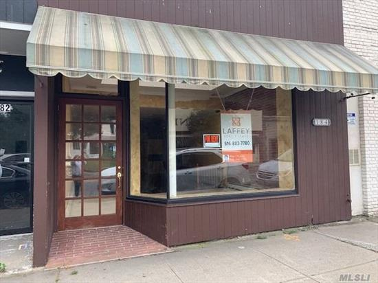 Professional office or retail store, beautiful renovations, central air with recessed lighting throughout, large skylight in the foyer conveniently located to LIRR, shops, park and library. First floor is 1, 000 Square Ft, finished lower level is 700 square ft, Parking space in rear.