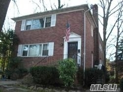 Renovated 3 bedrooms 2 baths top location, near LIRR, shops & restaurants. Option of schools North or South.Lower level has living area + laundry room + full bath and a lot of closets. First floor of a 2 family house. Huge backyard.