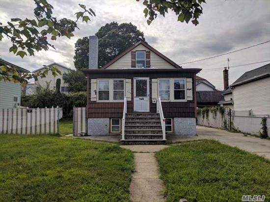 Here Is An Amazing Opportunity To Own And Live In Elmont! Located With Incredible Convenience To Queens, Transportation, Shopping, And Dining! Come See This One Before It's Gone!