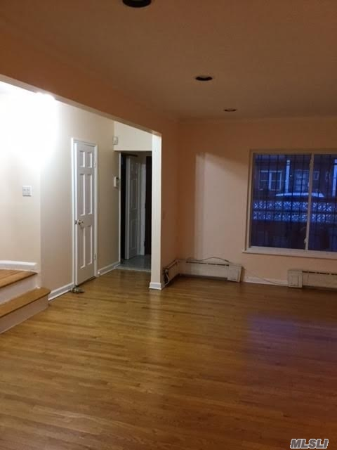 Fully Renovated House For Rent In Forest Hills. It Features 3 Bedrooms, Updated Kitchen, Bathrooms With Standing Showers And Beautiful Hardwood Floors Throughout. Also There Is A Fully Finished Basement With Washer & Dryer, And A Private Driveway.