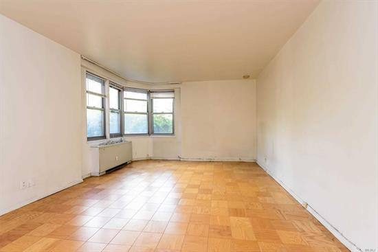 SPACIOUS STUDIO FACING SOUTH OFFERED IN ITS AS IS CONDITION. GERARD TOWERS IS A 24 HR LUXURY DOORMAN RUILDING WITH A SEASONAL HEATED POOL, FITNESS CENTER, BIKE ROOMS, STORAGE ROOMS, AND IMMEDIATE VALET PARKING. JSUT AROUND THE CORNER FROM AUSTIN STREET AND STEPS TO EXPRESS TRANSPORTATION.