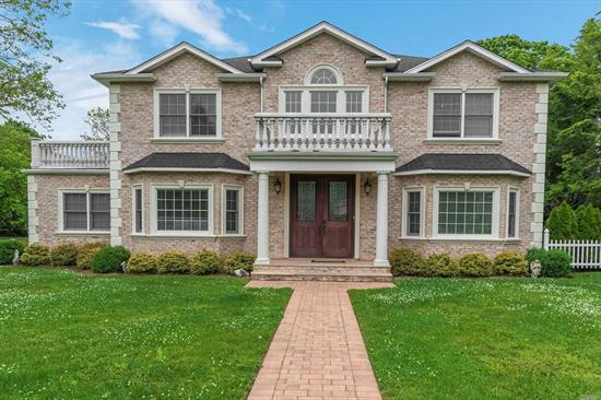 New Flower Hill Colonial Built In 2014. Move-In Ready Luxury Rental. Features High Ceiling Foyer Entrance To Bright Living & Family Rooms, 5 Spacious Bedrooms, 4 Full Baths, Gorgeous Kitchen W/ High-End Appliances And Custom Cabinets, Granite Counters And Island; Heated Marble & Mahogany Floors, Designer's Tile Work In All Bathrooms, Master Suite W/650 Sqft Balcony. Full Basement & Gym. Roslyn Schools.