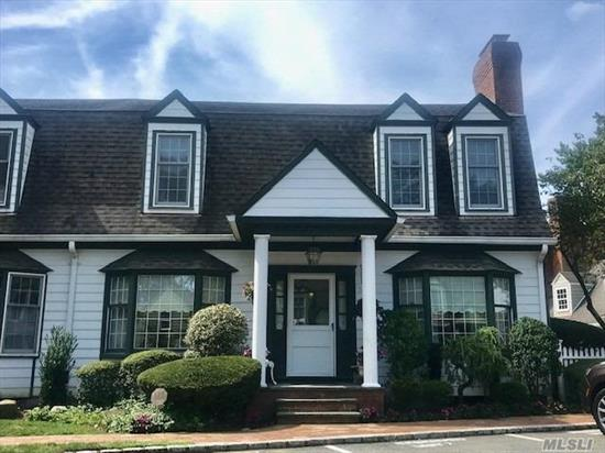 Model B Duke of Gloucester Condo . Pristine end unit in prime location. 3 fireplaces,  9ft. ceiling on 1st floor. Full finished lower level w. fireplace & high ceiling. one car garage w.full room above storage room. Professionally landscaped property. Easy to show.