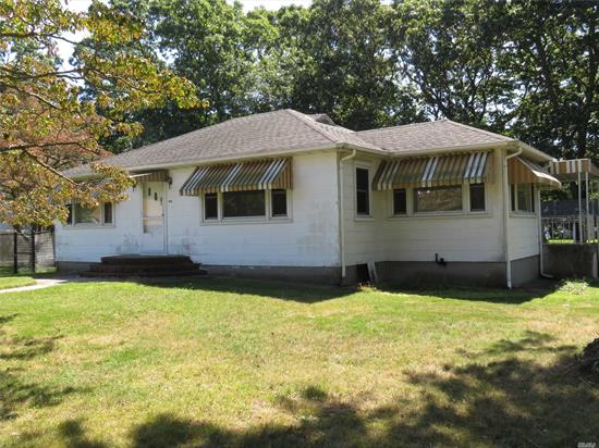 Spacious 2 Bedroom. Living Rm, Formal Dining Rm w/ Hardwood Flooring. Full Basement w/ Washer/Dryer Hook up. Eat - n- Kitchen. Private Fenced Yard. Close to Stores