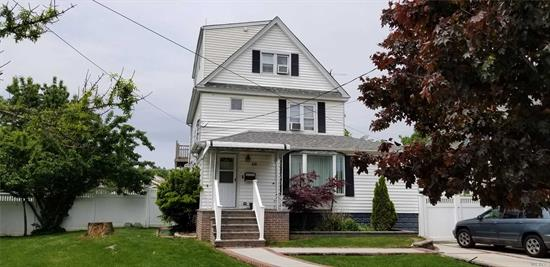 BEAUTIFUL 2 FAMILY, VERY NICE CURB APPEAL. LEGAL 2 FAMILY, IN EXCELLENT CONDITION. 2BEDROOMS ON FIRST FLOOR AND 3 BEDROOM DUPLEX ON SECOND FLOOR WITH 3 FLOOR