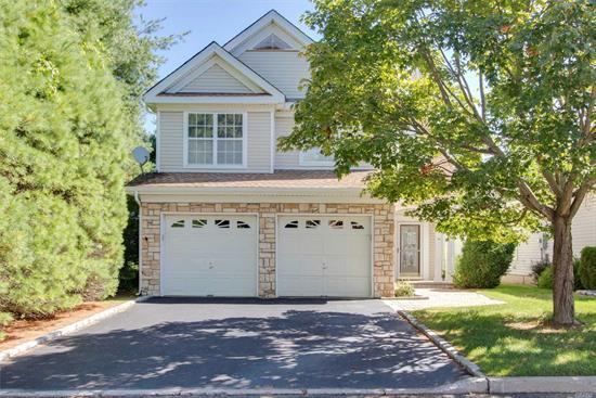 Located on the pristine golf course in the private community of Birchwood@Springlake is a beautiful Fairfax 4. Gorgeous new kitchen, stainless steel appl, granite counter tops, electric outdoor awning, alarm system, w/w carpet, new roof, new CAC and much more.