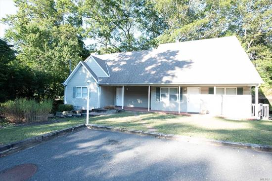 Legal 1 Bedroom Apartment, Large Eat in Kitchen, Living room, Bedroom, Full Bath, Sliding Doors to Deck , Covered Porch, CAC, Gas Heat, Snow Removal, Near All!! Smithtown School District #1