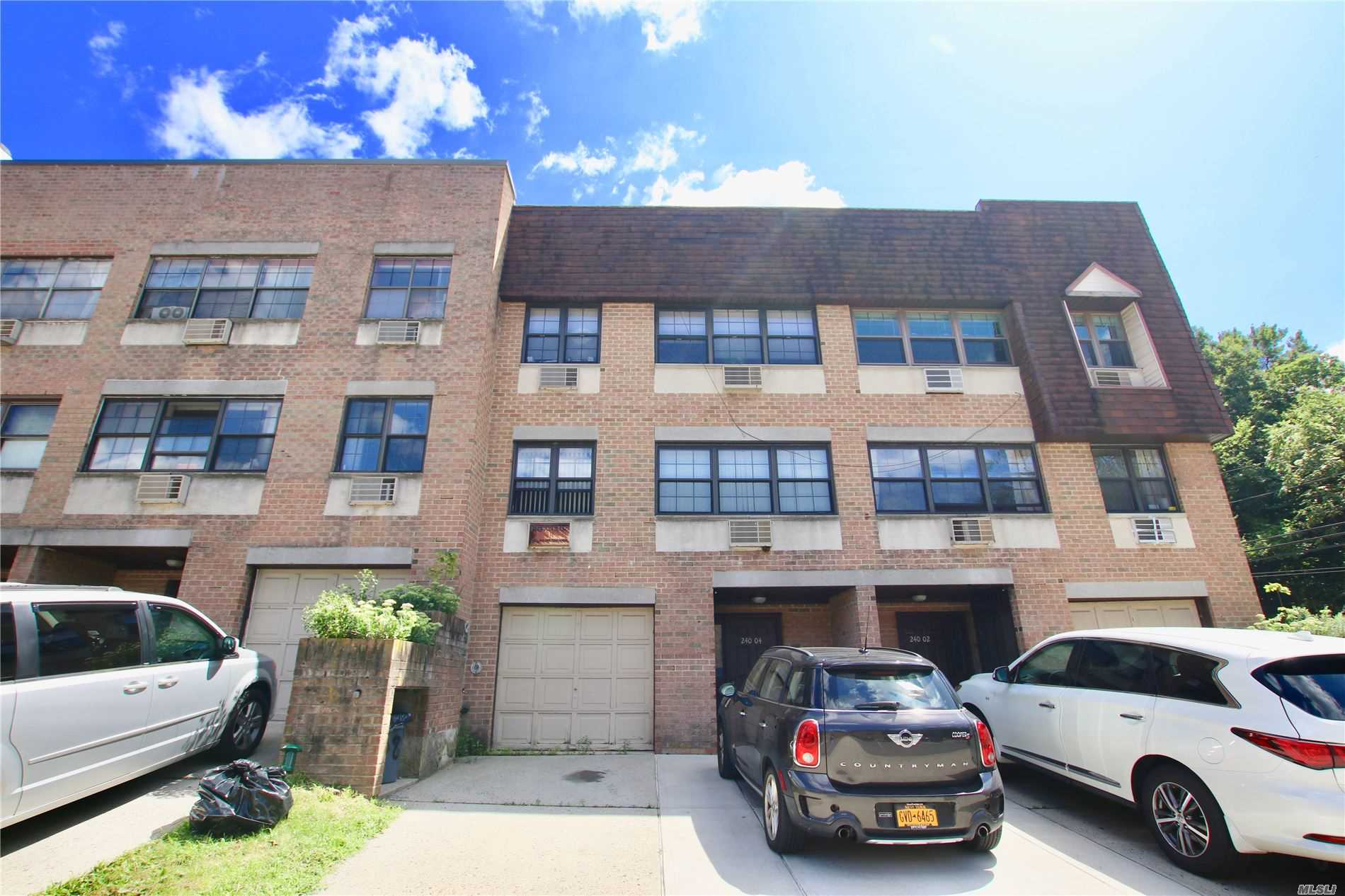 1 Bedroom Duplex in desirable and peaceful Douglaston. Move-in ready. Freshly painted. New Bathroom W/D hook available. SD 26, alley pond park, Douglaston golf course, fairways, parking is available for a fee. Public transportation and highway nearby. Convenient to St John's U and Queens College.