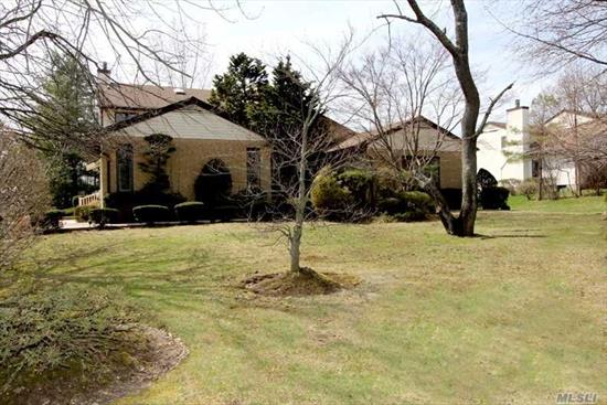 Beautiful 5 Bedrooms 4.5 Baths Contemporary House In Gated Community Of Hamlet Estates. Living Room W/Fireplace, Formal Dining Room, Eat In Kitchen With Custom Designed Cabinets, Marble Counter Top. Three Cars Garage. Enjoy Club House Includes Swimming Pool, Gym And Tennis Ct. 24 Hr Security. Manhasset School!