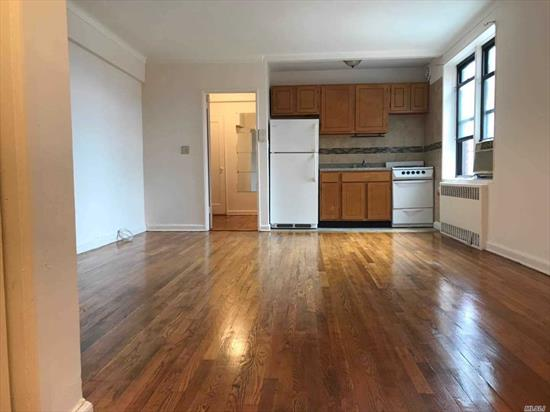 very nice studio co-op in the heart of Flushing. maintenance includes heat & hot water. Washer & dryer inside building. Area is super safe, clean, private, and convenient. It's walking distance to the Main St shopping, Convenient spot close to many top restaurants.