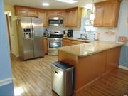Priced to sell!!!! Beautiful , clean, move in ready unit in desirable Foxwoods Village. This home has a large master bedroom and bath, with plenty of closets. Kitchen has granite counter tops, stainless steel appliances with a first floor laundry. . . Wonderful Florida room for 3 season living. Close to clubhouse with pool and bocci ball. Pets are allowed. HOA fee $543 per month.