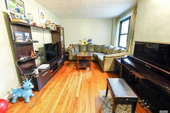 Spacious 2 bedroom unit conveniently located. Shiny hardwood floors throughout, renovated kitchen and bath, formal dining area, good sized bedrooms w/ closets and windows. Steps to local bus, express bus to NYC, shopping, markets, library, coffee shops, and more.