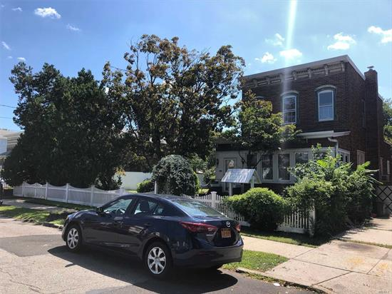 Charming Colonial in Prime Whitestone on its Own Park Like Property! The 1st Floor Offers a LR, FDR, EIK, and a 1/2 Bath. The 2nd Floor offers 4 Bedrooms and 1 Full Bath. Needs TLC! The House Sits on 70 X 150 Lot (10, 500 Square Feet). Zoned R3A. Near Schools, Shops and Transportation.