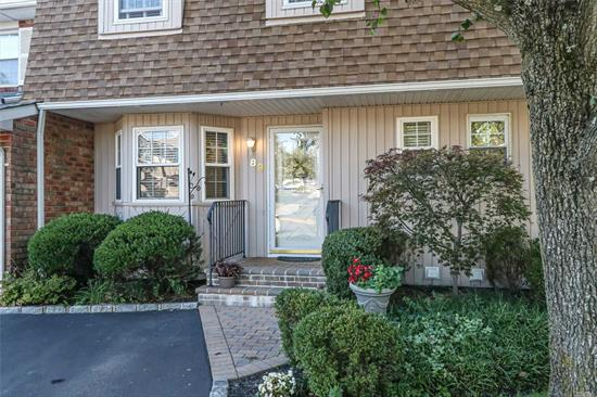 Immaculate Birch Model On Premium Pond Location In The Prestigious Community Woodland Pond. 3 Bedrooms, 2.5 Baths, All Updated Granite Kitchen And Baths. Gleaming Hardwood Floors. New Windows. Full Basement. Pavers Entrance And Patio. Sunset West Exposure. Energy Efficient Home. Low Common Charges And Taxes. Enjoy Country Club Living With Pool, Tennis, Clubhouse. Blue Ribbon Syosset SD #2 (Baylis Elem & Hb Thompson Middle).