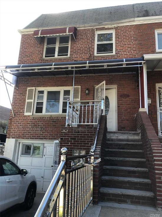 Freshly Painted, In Prime Bayside Location! 2nd Fl and 3rd Fl --2FL: living Room/ kitchen/ dining room/ Half Bath 3rd Fl: 3 Bedroom and Full bath. Near H-Mart, Restaurants Parks Afterschool Library AMC. Close to P.S.162, I.S.158 & Francis Lewis High School. Bus Q12, Q13. Easy access I-295 I-495.