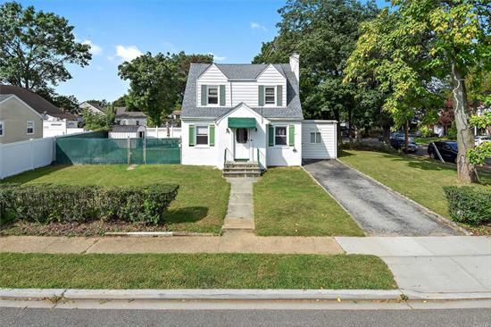 Immaculate 3 bedroom, 1 bath located in prime Baldwin location. This home features a large living room, formal dining, full basement & beautiful yard close to LIRR.