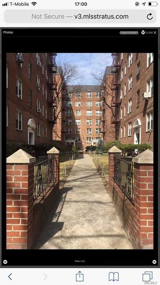 Great location 1 Br center of Flushing, on the 3rd FL, very quiet and very bright, wood floor throughout, 10 minutes walk to main ST and 7 Subway, school, transportation, supermarket, convenient to all, Face to Southern and eastern.