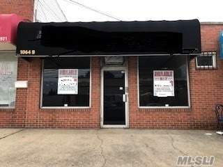 High Traffic Location For Attorney, Accountant, Financial Consultant, Insurance Agent, Photographer, Small Office Or Start Up Business. Ready For Immediate Occupancy.