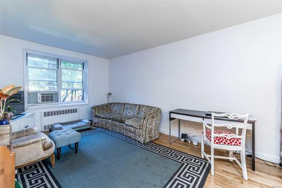Move Right Into This Attractive 1BR Co-op Featuring New Kitchen With Stainless Steel Appliances and Recently Updated Bathroom (1 Year Ago). Convenient To Shopping And Transportation. Building Features Rear Garden Area, Gym, Laundry, Storage, Bike Room ($40 And $5.00 Additional Fee Per Month) And Pet Friendly!