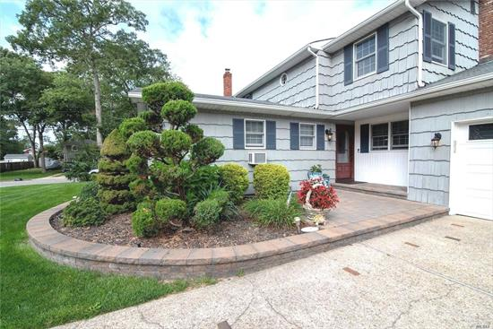 IMPECCABLE COLONIAL NESTLED ON SHY 1/2 ACRE OFFERS A PRIVATE SETTING W/LUSCIOUSLY LANDSCAPED YARD. FLR. W/WOOD FRPC. 20X16.6 & FDR.16X12.6 BOTH WITH GORGEOUS WOOD FLRS. BEAUTIFUL EIK W/OAK CABINETRY & GRANITE & S.S. APPLIANCES & FABULOUS GAS FRPLC. WITH ADDITIONAL SUNLIGHT WINDOW SEATING. MULTI LEVEL MASTER BEDROOMS W/WALKIN CLOSETS.TASTEFULLY UPDATED FULL BATHS W/LINEN CLOSETS.BASEMENT W/GREAT RM 25X21 WORKSHOP12X9, LAUNDRY 11X10 RM W/1/2 BATH, OFFICE 13X6, 2 CAR GARAGE W/10 CAR AMPLE PARKING.