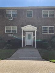 Hardwood floors, 15 min to JFK airpot and Casino, intercom system, pet friendly with co-op approval,  stackable washer extra 15.00 and or dryer 10, 00 allowed in unit, , 33.3 % percent down payment required by co-op,