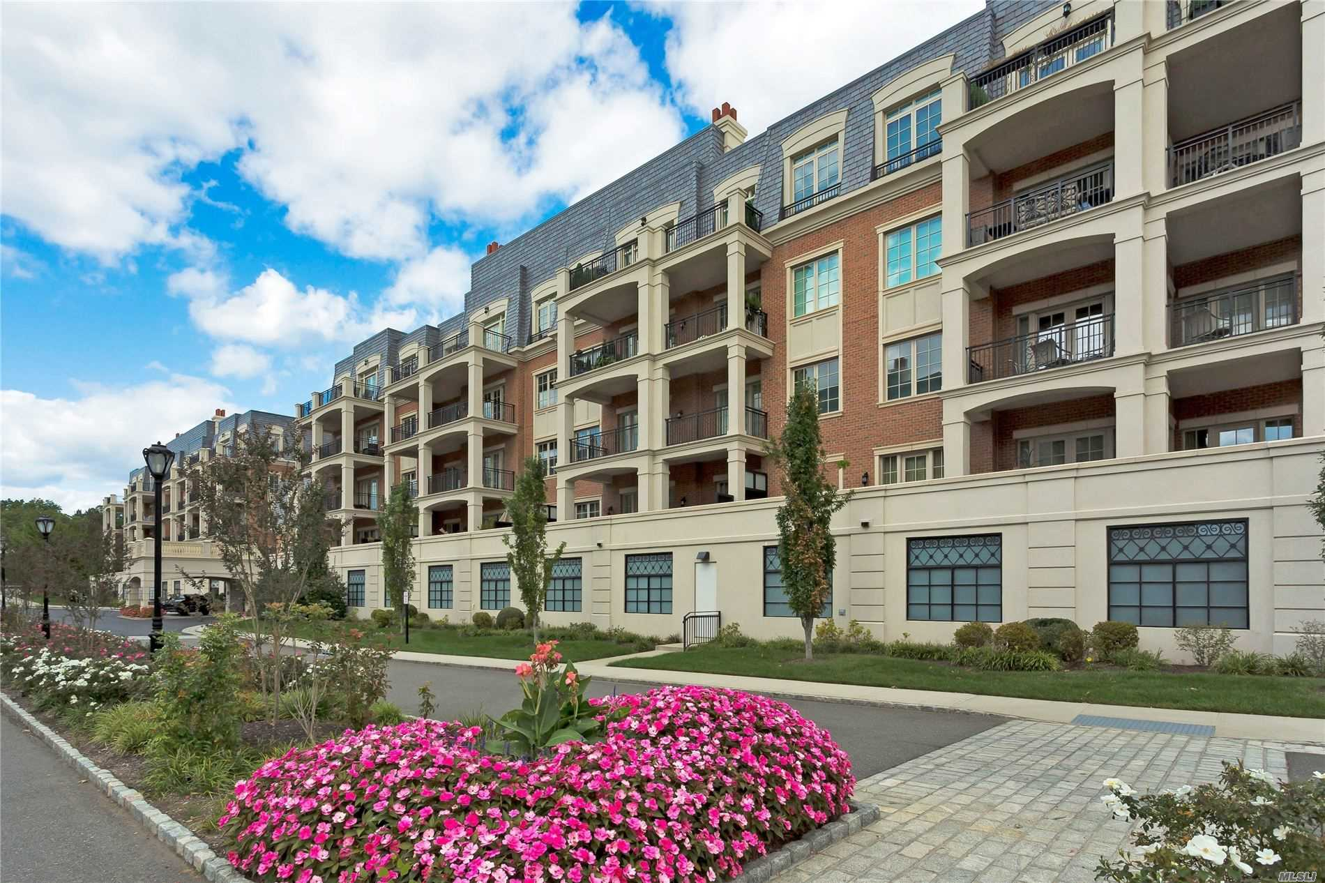 North Hills. This luxury 2 Bedroom 2.5 Bath Residence Features an Open Floor Plan, Chef's Kitchen, Hardwood Floors, Private Balcony. 24-Hour Security, Concierge, Fitness Center, Car Service to LIRR.