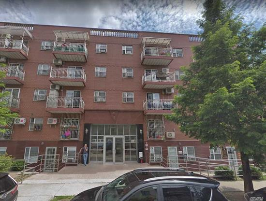 Option indoor parking is $60, 000. Prime location in heart Downtown Flushing. Quite block, well maintained, move in condition. Include large balcony, close to supermarket, library, and #7 train. Must to see!