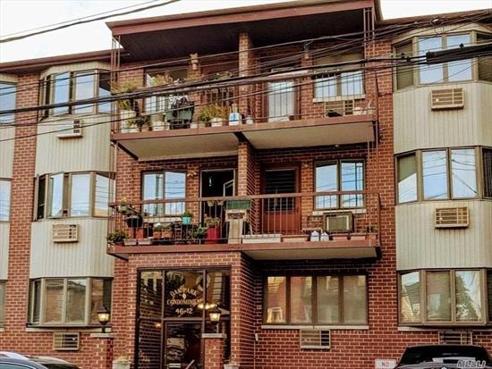 Beautiful bright and spacious apartment, located in Flushing. Features 1 bedroom, bathroom, living room, dining area and updated kitchen w/ stainless steel appliances. Includes in unit washer and dryer, deck, and parking. Walking distance to Kissena Park, buses and shopping. P.S. 107 I.S.237
