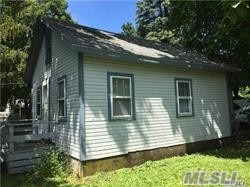 2 Bedroom, Full bath, Living room/Dining room quick walk to town and school