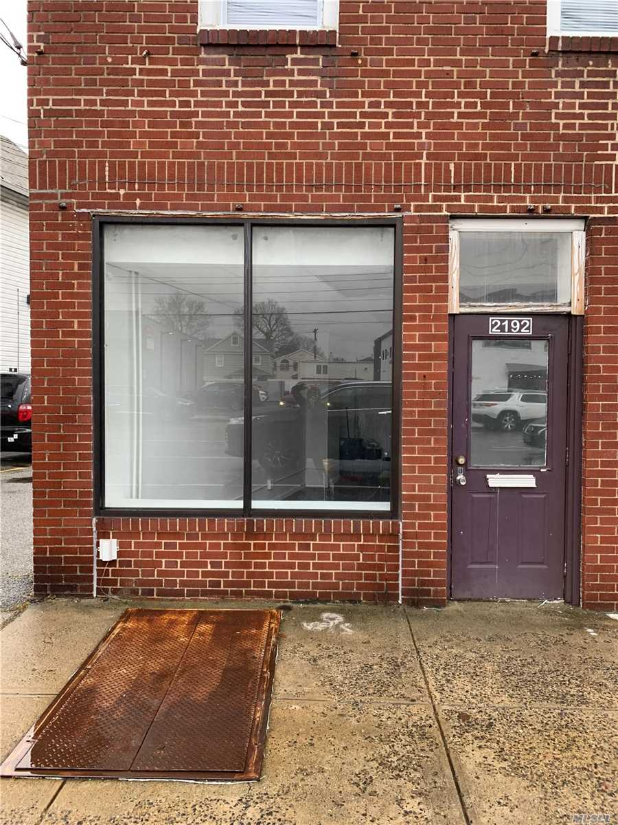 Great Space For Accountants, Shipping Company, Barber Shop/ Construction Office With Half Bath. Conveniently Located In The Heart Of New Hyde Park - Garden City Park. Close To All Transportation.