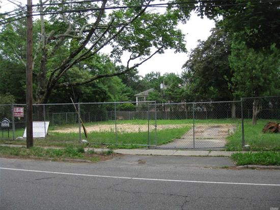 PRICED TO SELL--CLEARED 1/3 ACRE WITH OIL TANK REMOVED AND READY TO BUILD-EAST WILLISTON SCHOOLS