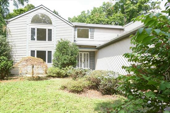 Big potential house in Roslyn Estates, close to shopping and everything. Motivated seller. Bring offers.