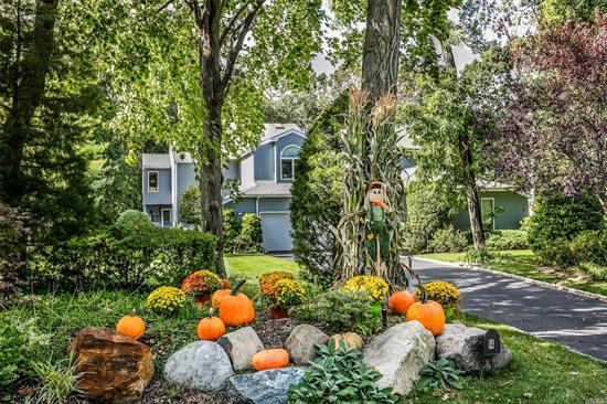 Expansive Open Floor Plan Townhome in Beautiful, Gated Colony Club. Fabulous Updated Master Suite With His and Hers Baths, 2 Walk-in closets, A Full Wall of Built-Ins, and Private Deck Facing Woodlands. Granite and Stainless Eik. New Roof and Skylights, Whole House Generator, Custom Millwork Throughout. Two Story Foyer with Sweeping Staircase, LR w/ Gas Fireplace, Formal DR, Huge Eik Connects to Solarium, FR Opens to Large Deck Facing Woodlands, Loft/Office, 2 Car Garage, Huge Part Finished Bsmt