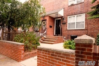Hardwood Floors Throughout, In This Beautiful Sun Drenched First Fl Apartment. Open Concept Living With Great Living/Dining Room Combo And Tastefully Renovated Kitchen. Full Bath And Bedroom Located At The Back Of The Apartment, All Rooms Freshly Painted. Heat/Hot Water/Gas/and Electric Are Included!! Blocks From All Astoria Has To Offer Including N/Q Train 31st St./Ditmars, Restaurants, Cafes, Parks, Shopping, Houses Of Worship, And So Much More!!
