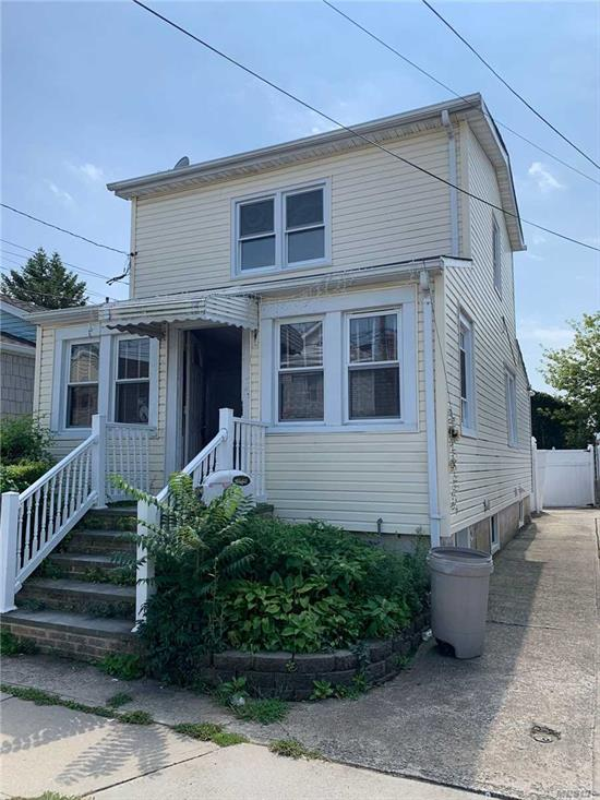NEWLY RENOVATED! PERFECT STARTER HOME 3BD 3BA, FULL FINISHED BASEMENT WITH SEPARATE ENTRANCE