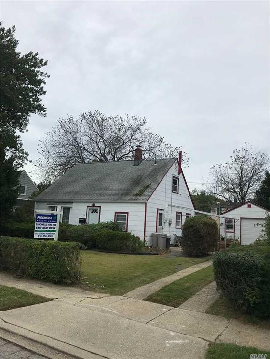 Wonderful opportunity to own a home in Levittown. Well cared for home with 4 bedrooms, EIK, and 1.5 car garage.