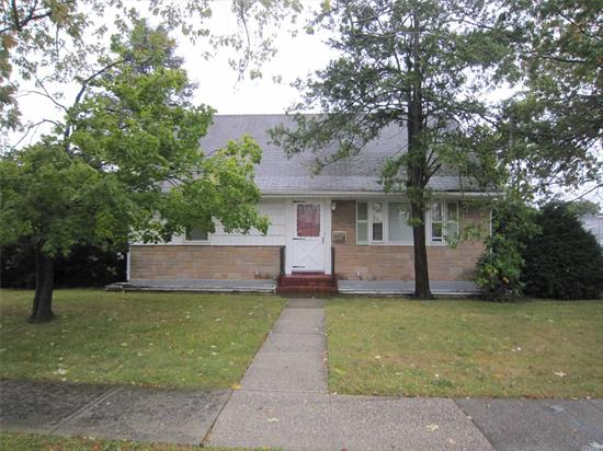 BRAND NEW TO MARKET - 2 BR CAPE/ CAN BE MADE INTO A 4 BEDROOM -LR -DR - HARD WOOD FLOORS - FULL BSMT- DET GARAGE - QUIET STREET - 60 X 100 LOT PRICED TO SELL!!!